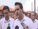 Governador entrega casas a famílias de Florestópolis