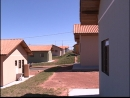 Novas casas para famílias de duas cidades do Estado