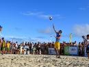 Giba encanta público no litoral com grandes jogadas e simpatia